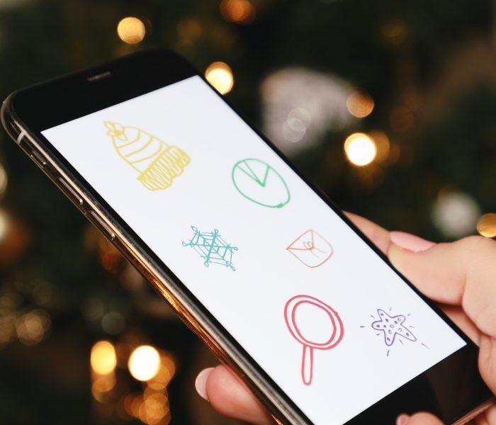 Vánoční nákupy řešíme na sociálních sítích třikrát více než loni