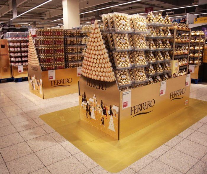 Vánoční teatralizace – sezónní pralinky Ferrero
