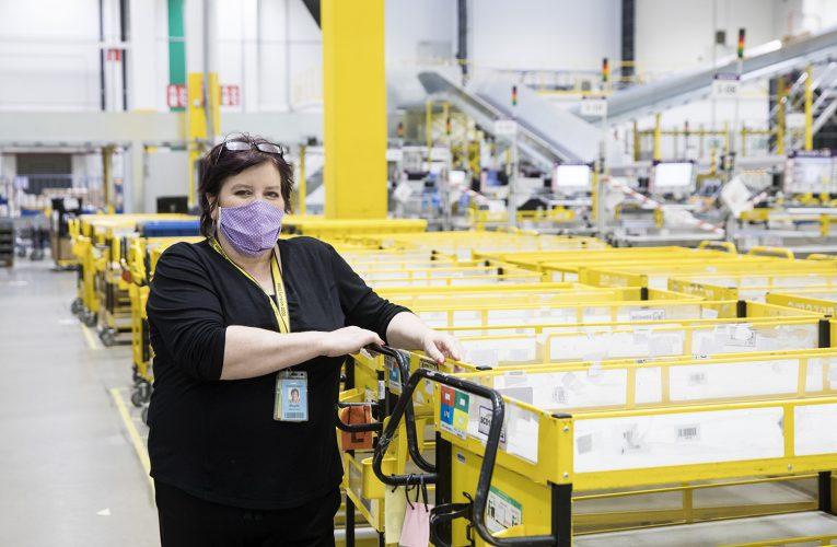 Zaměstnanci Amazonu se vrámci projektu Box Stars podělili o inspirativní příběhy svých kolegů