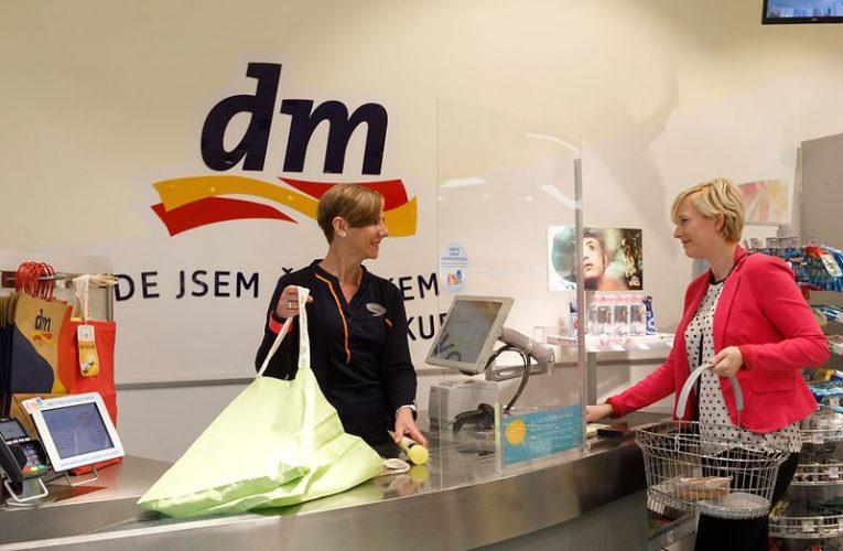 Společnost dm drogerie markt vyčlenila na pomoc jihomoravským obcím postiženým tornádem 3 000 000 korun