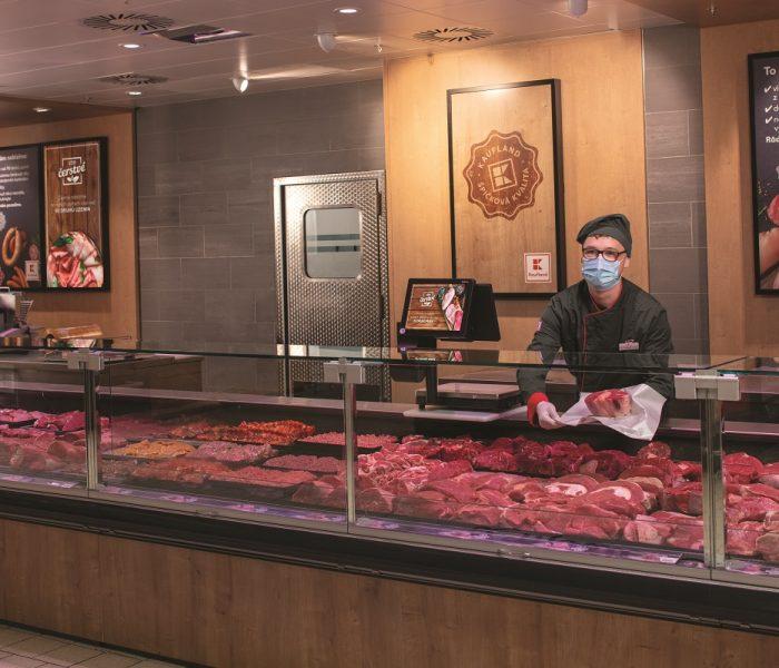 Kaufland zavádí nový způsob balení masa na pultech