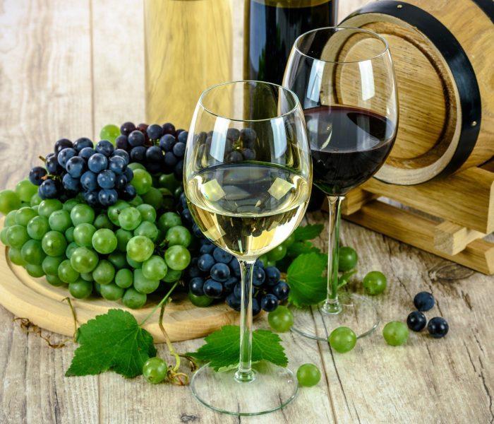 Kategorie vín byla i loni inzertně nejsilnější před koncem roku