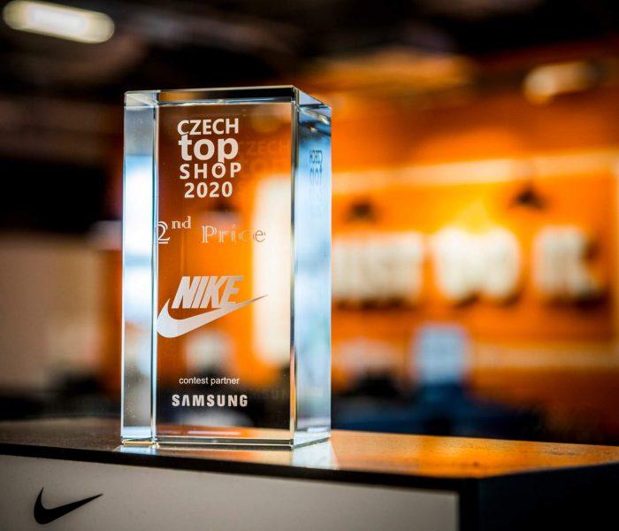 """Soutěž Czech Top Shop 2020: Nike Factory Store převzal """"stříbrnou medaili"""""""