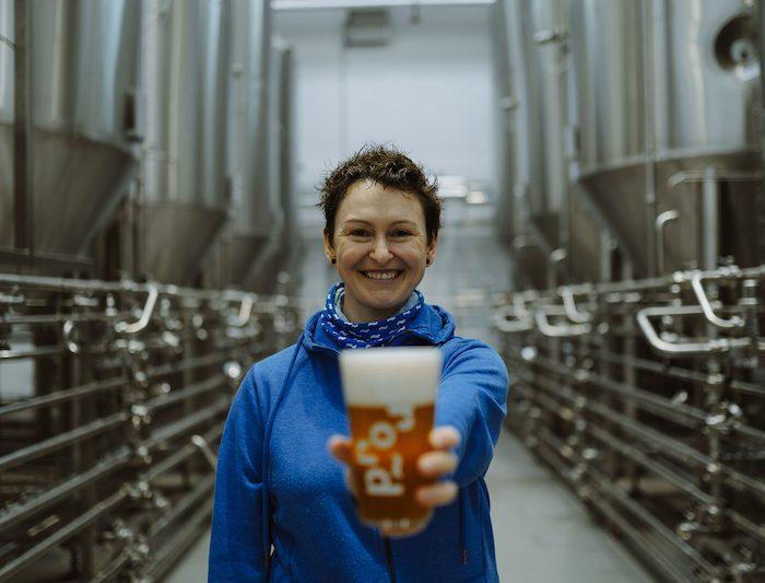 Pink Boots Collaboration Brew Day – poprvé 8. 3. v pivovaru Proud