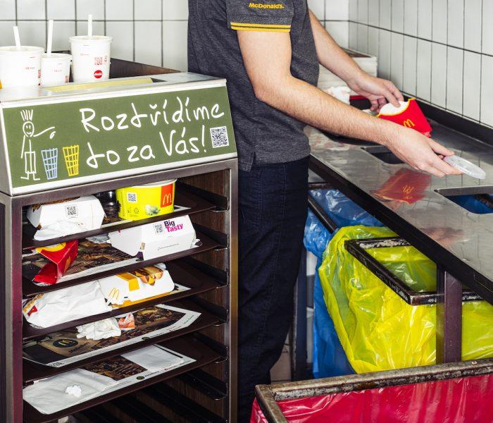 Světový den recyklace slaví i nadnárodní řetězce fastfoodu
