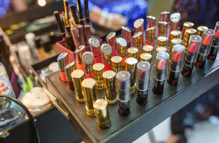 Pandemie ochromila kosmetický průmysl