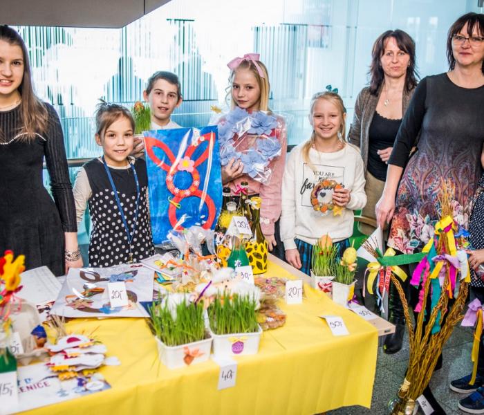 Velikonoční dekorace a dárky od dětí z domovů udělaly radost po celé republice