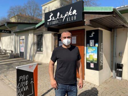 Direct pojišťovna podpoří zavřené restaurace a kavárny