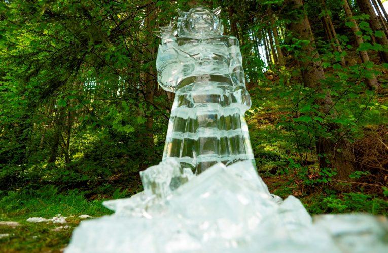 V Beskydech se objevila ledová socha Radegasta
