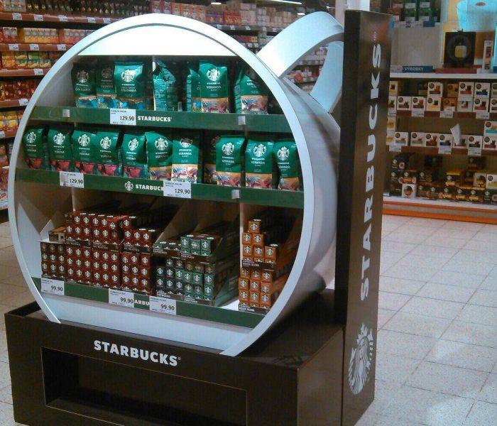 POP STAR dubna 2021 je vystavení kávy Starbucks v Globu