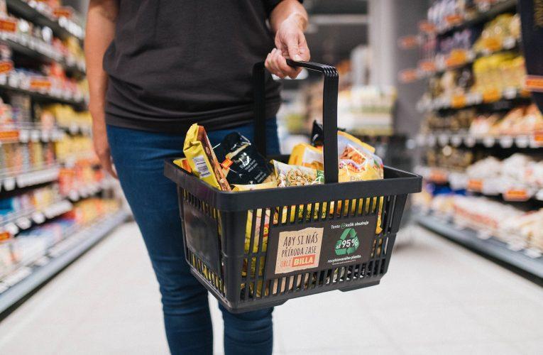 BILLA zavádí nákupní košíky z recyklátu