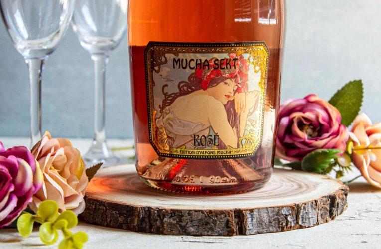 Mucha Sekt Rosé Sec šampionem Víno Terra Wag 2021